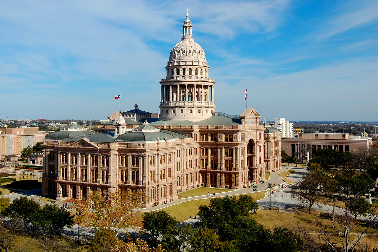 Two Texas bills look to reform bail in the state but take different approaches to get there.
