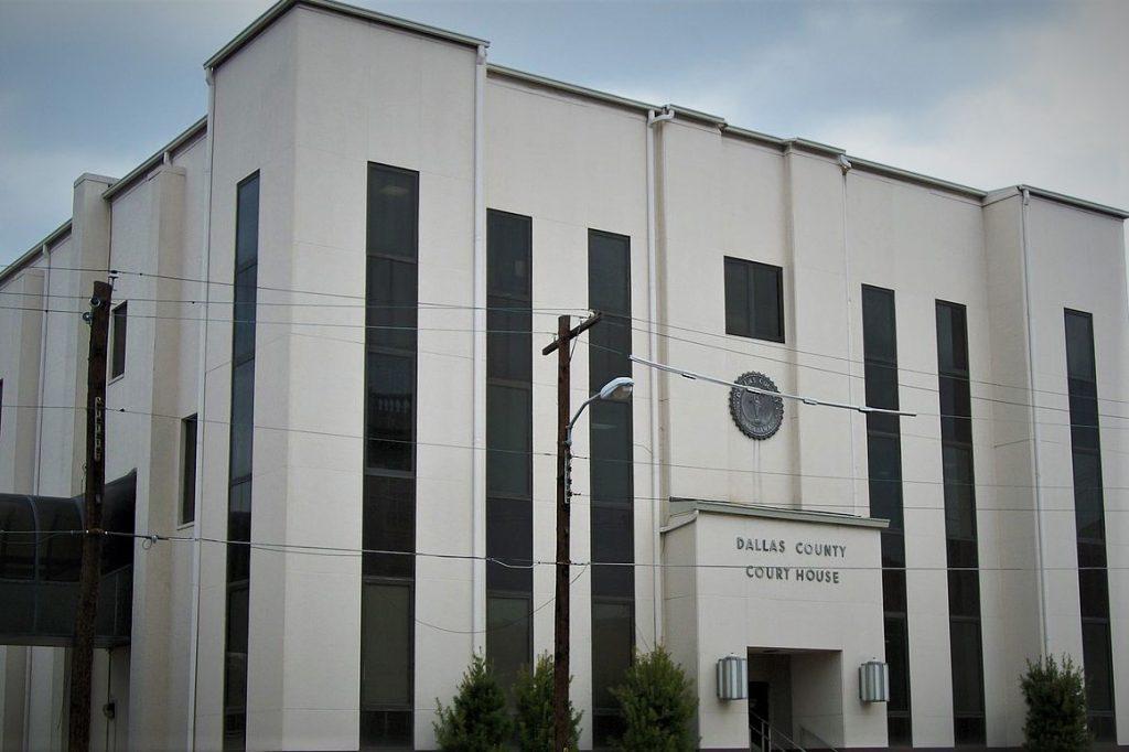 A Texas prosecutor has been disbarred.